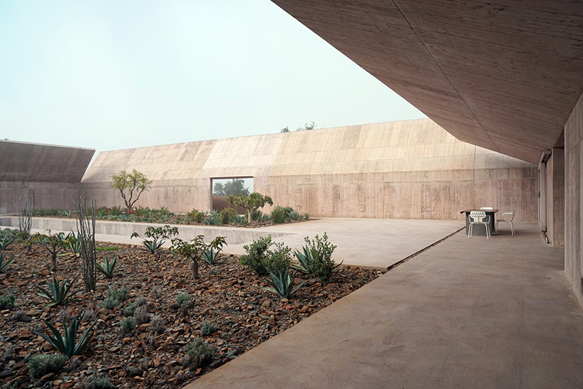 Valerio Olgiati Hides Villa Alem Within Folded Concrete Walls