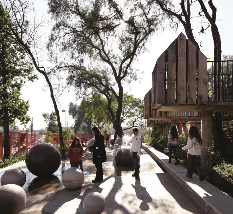 alejandro-Aravena-gana-la-2016-Pritzker-premio-Designboom-08