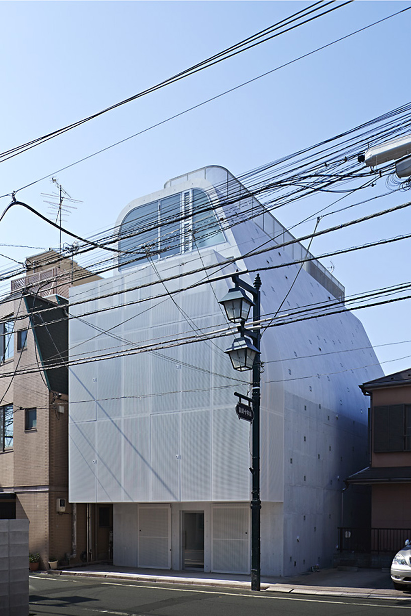 ALX Junichi Sampei Completes CFX Apartments In Tokyo