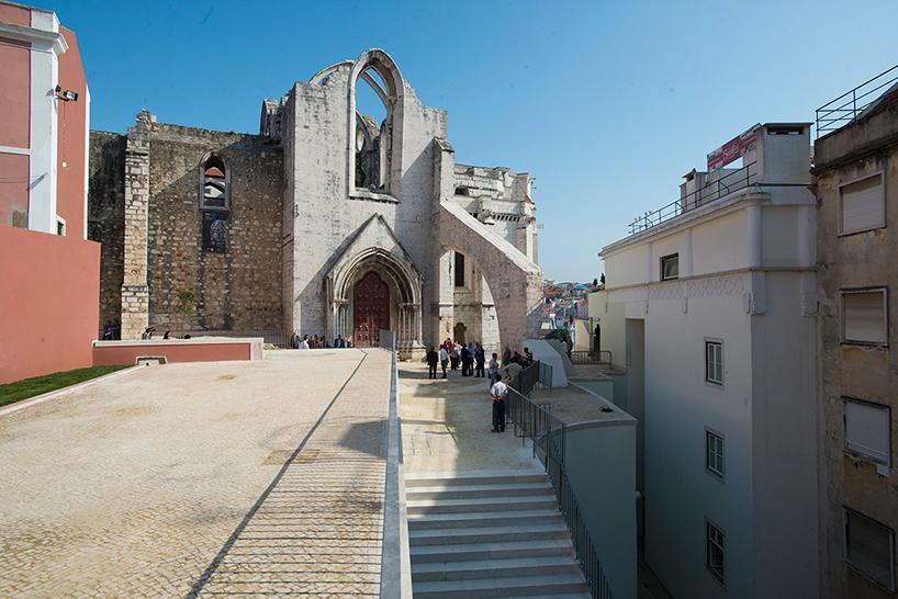 225 Lvaro Siza Reconnects Lisbon S Chiado District With Carmo