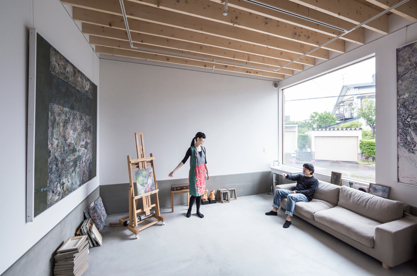 Jun Igarashi Organizes Artist Studio Home Within Connected