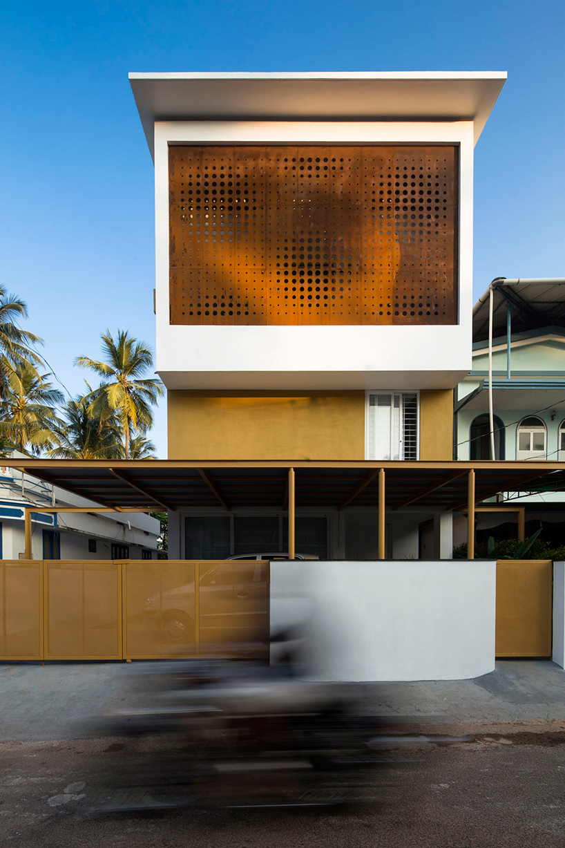 Lijo Reny Architects The Breathing Wall Residence In India