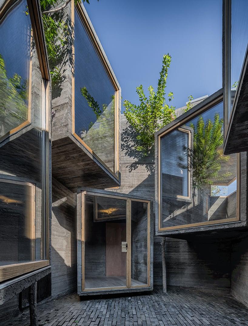 zao-standardarchitecture-micro-hutong-hostel-beijing-designboom-02