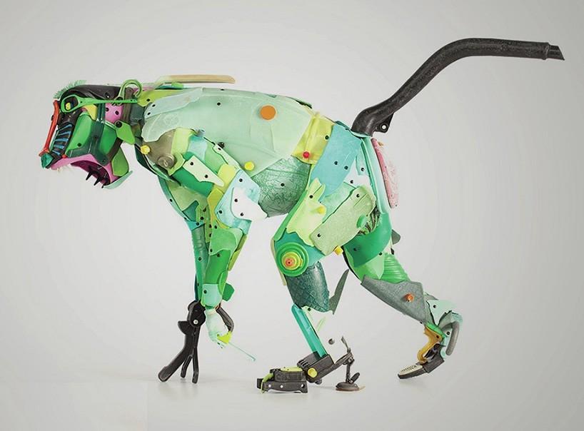 giles-cenazandotti-endangered-animal-garbage-scluptures-designboom-02-21-2017-818-005