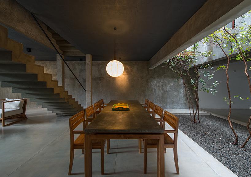 Palinda Kannagara Introduces Nature Into Linear House In