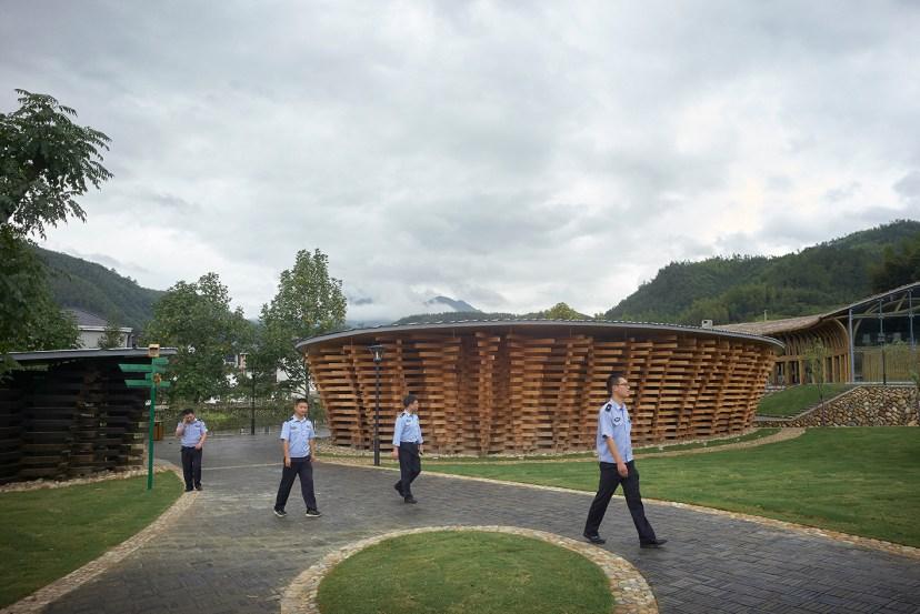 international-bamboo-architecture-biennale-xitou-village-china-designboom-03