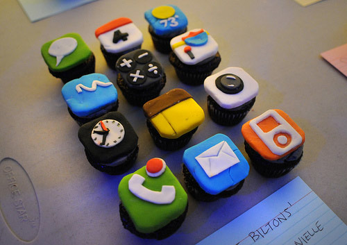 iPhone themed cupcakes!