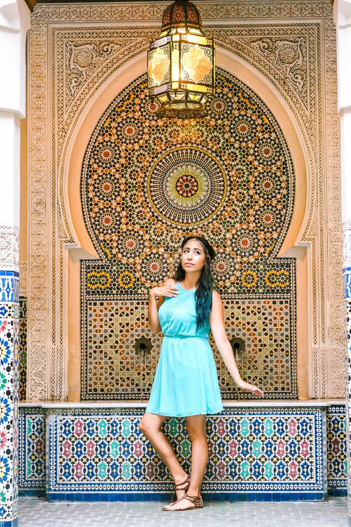Woman DisneyBounding as Jasmine