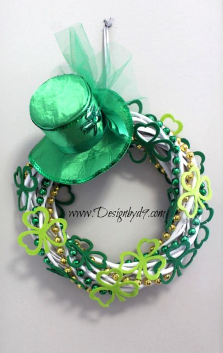 Shamrock wreath for St Patricks Day using dollar store supplies DIY wicker wreath