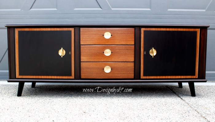 I'm bringing my mid-century modern credenza into the new millennium with a this century makeover using java gel stain, general finishes lamp black milk paint and good old shellac. So this is a partial painted furniture make over project that attempts to respect the origins of this old piece of furniture