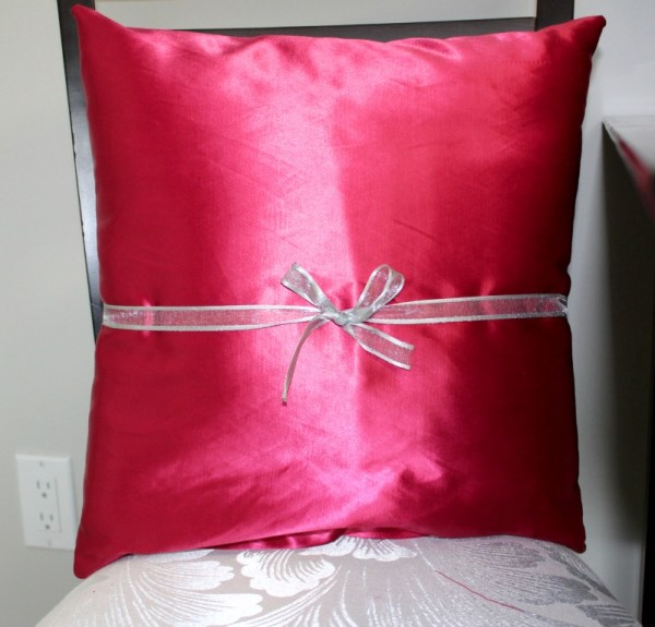 Here are some DIY craft room storage solutions you can do easily and cheaply. I did these as part of the $100 Room Challenge and my craft room make over. These are my #prettyinpinkpillows
