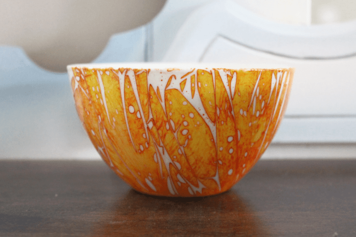 Beautiful unique dishes made using alcohol ink on glass bowls and mugs. Easy project using dollar store glassware and alcohol inks. #alcohol ink