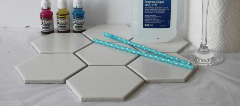 DIY alcohol ink coasters on tile. Fun and easy project.