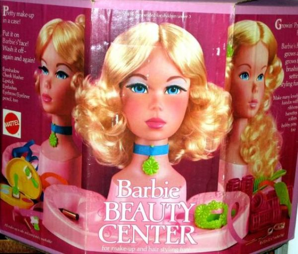 Do you have family Christmas Traditions? Take some of your old traditions and add some new ones of your own. Pick the pieces that you love the best and toss out the rest. #Christmastraditions Barbie styling head
