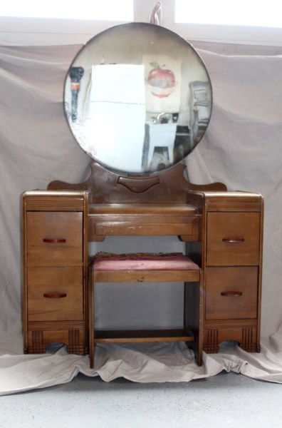vintage waterfall vanity makeover with chalk paint
