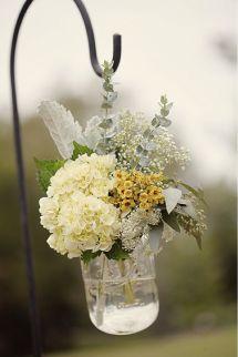 Pote de vidro com flores para decorar