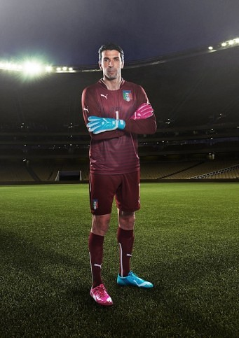 Buffon believes Italy can repeat history. In Brazil he will wear the PUMA evoPOWER Tricks boot