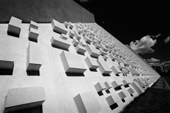 Textura em Relevo Fachada Teatro Nacional - por Athos Bulcão