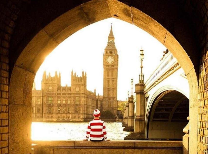 A mais famosa foto do blogueiro, de frente ao Big Ben, em Londres.