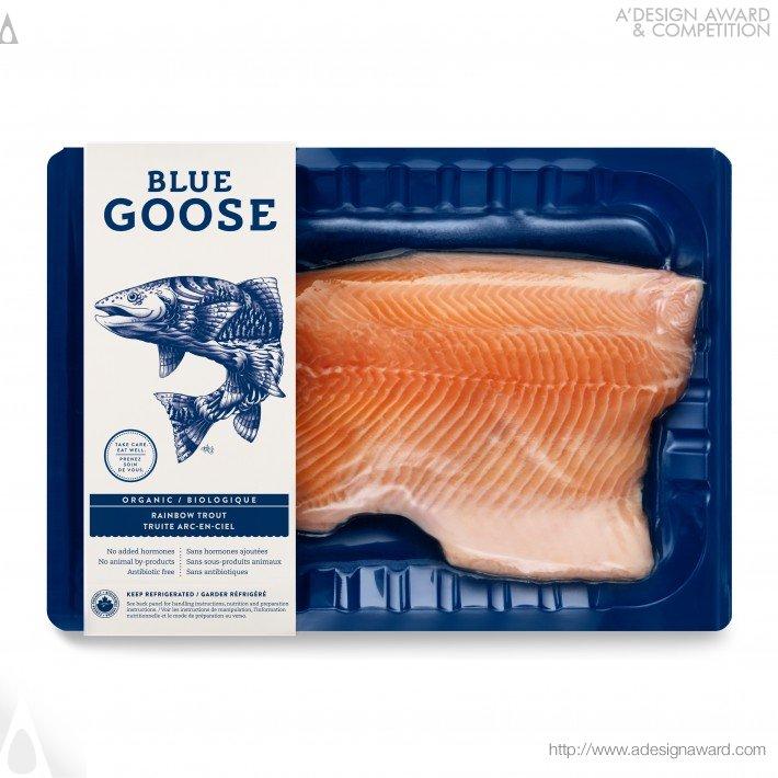 Embalagem a vácuo Salmão Blue Goose, desenhada por Sid Lee