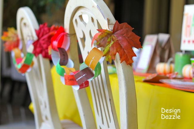 Kids Thanksgiving table: have a thankful heart free paper chain printables - Design Dazzle