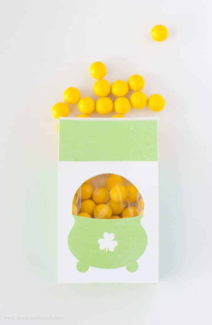 Free Printable Pot of Gold Treat Box | Simply assemble and fill with candy! | Design Eat Repeat.