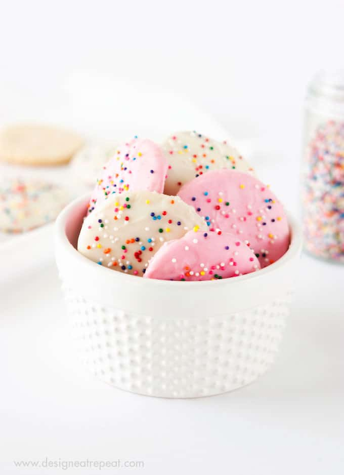 Recreate a childhood favorite with these Frosted Animal Cookie Wafers by Design Eat Repeat!