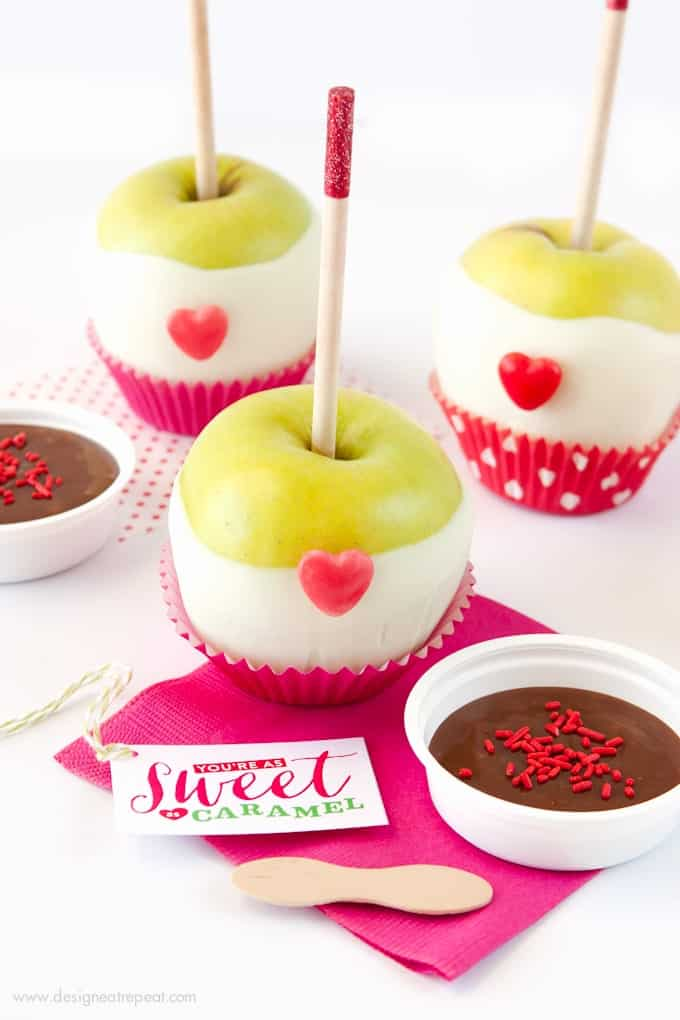 Valentine's Day Caramel Apple Kit with You're As Sweet as Caramel Tags! Download at Design Eat Repeat!