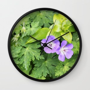 cosy-couple-of-purple-geranium-flowers-o1h-wall-clocks