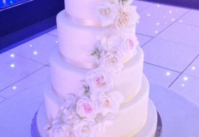 Tiered Wedding Cakes Surrey London Designer Cakes By Elle