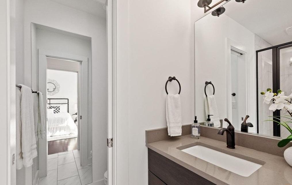 Perry house plan master bath-1
