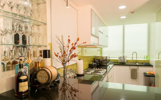 8 Forbes Town Road Golf View Residences / Megaworld Corporation