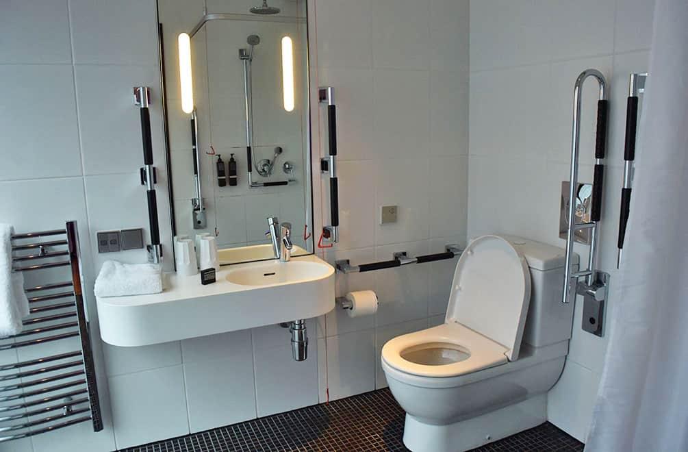 Bathroom at CitizenM, Glasgow