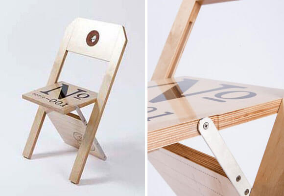 Folding chair displaying an attractive label design for Chaise design montreal