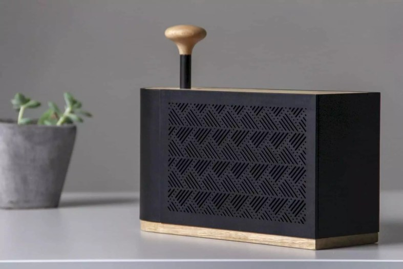 Hilo Speaker 3