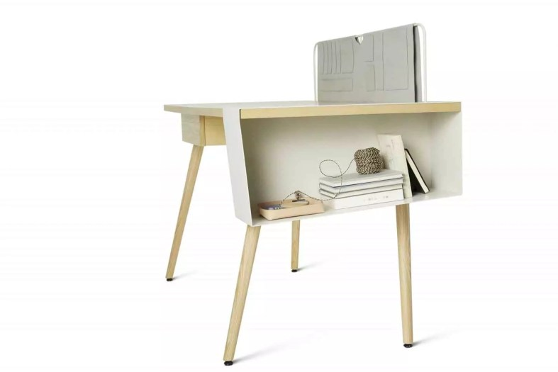 Pure Desk 9