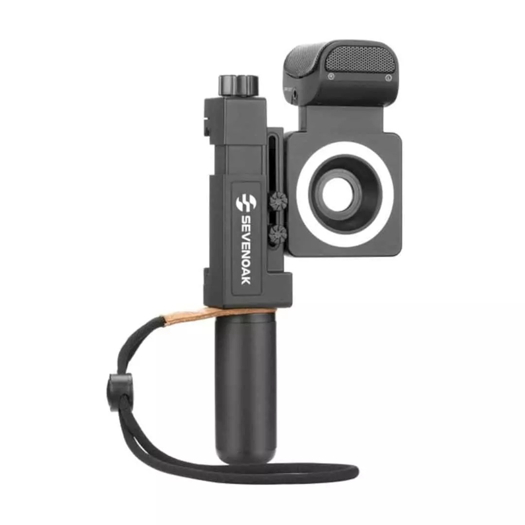SmartCine: An all-in-one video rig for any smartphone