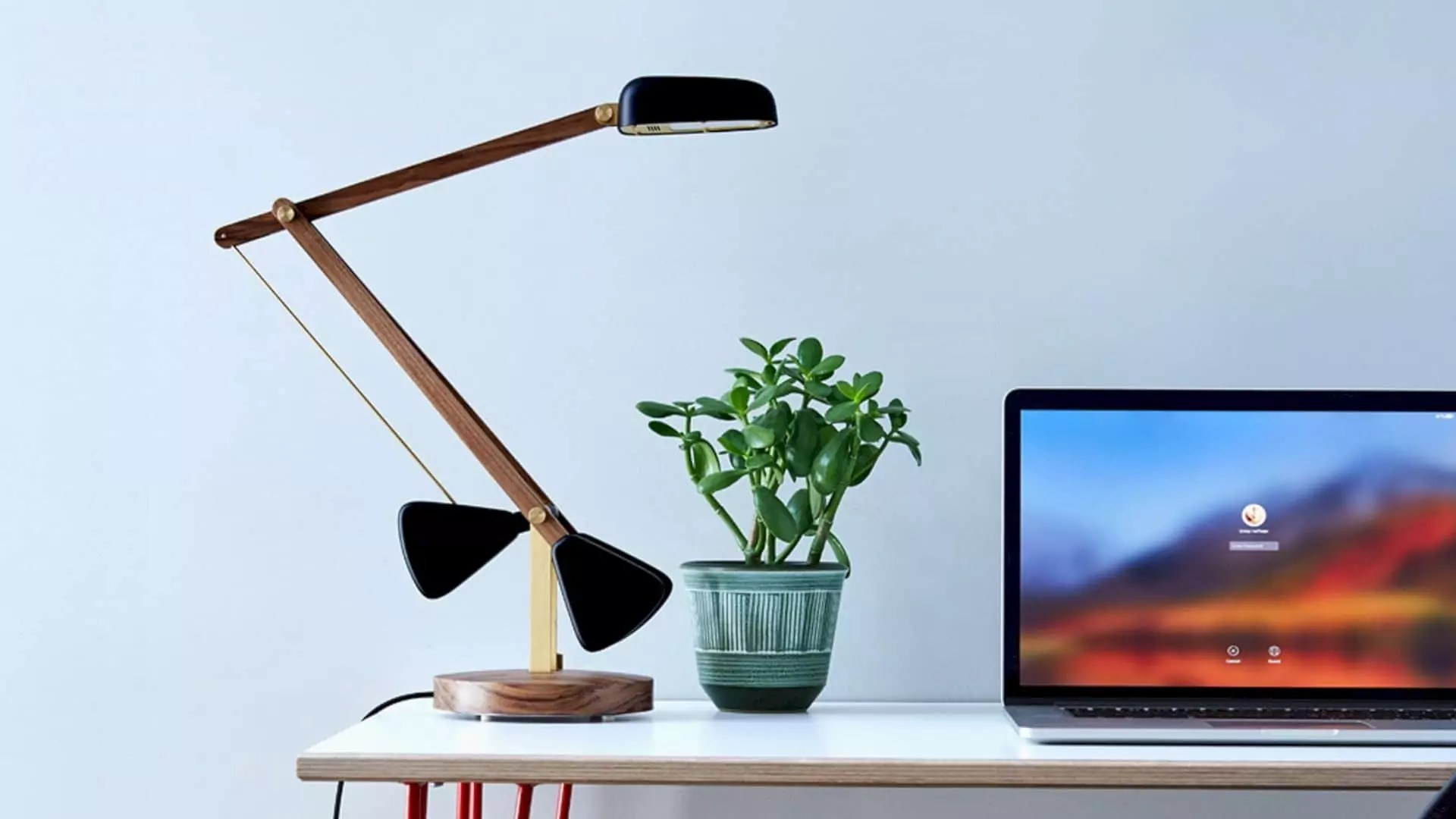 The Herston Self-balancing Desk Lamp: beautifully designed & delicately engineered