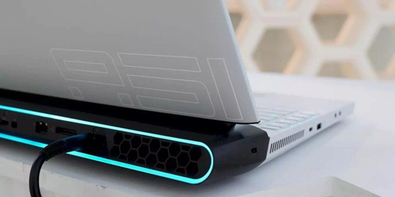 New Alienware Area 51m Gaming Laptop 8
