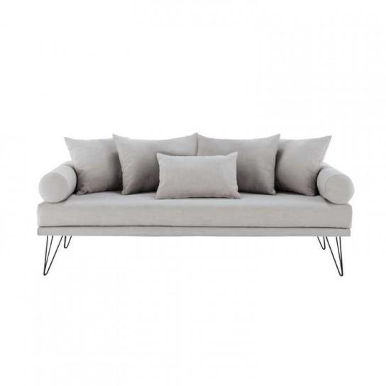 La nuova collezioni di divani 2021 di maison du monde presenta soluzioni in tessuto da 2 o 3 posti, angolari, quasi sempre trasformabili in letto: Divani Maison Du Monde Design Mon Amour