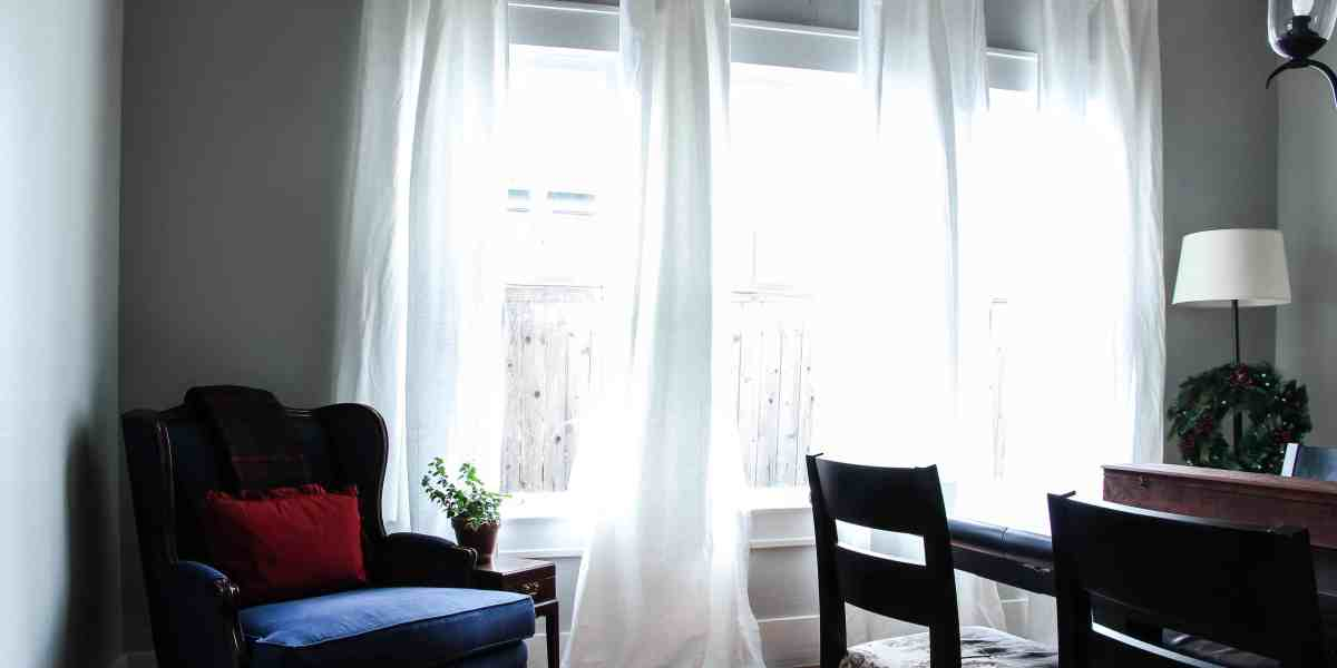 How to Buy and Hang Curtains For Beginners