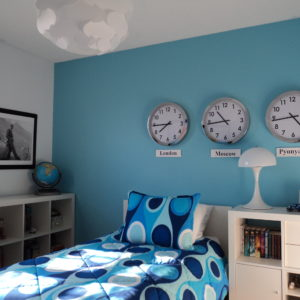 bedroom design with blue color and wall decorating concept for teenagers