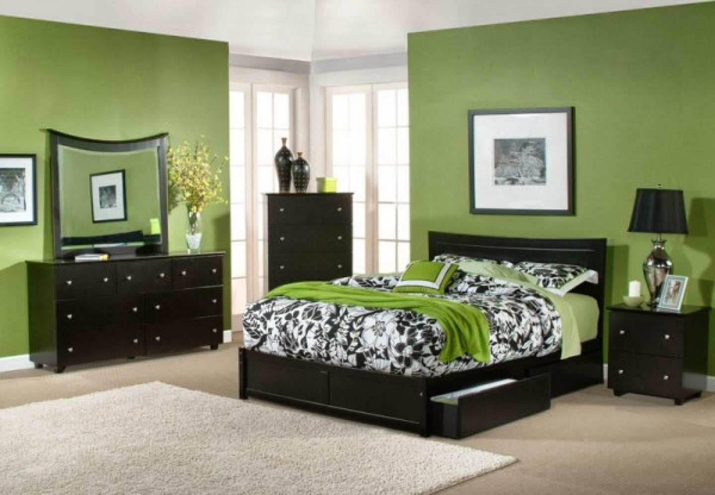 bedroom decorating ideas using green wall