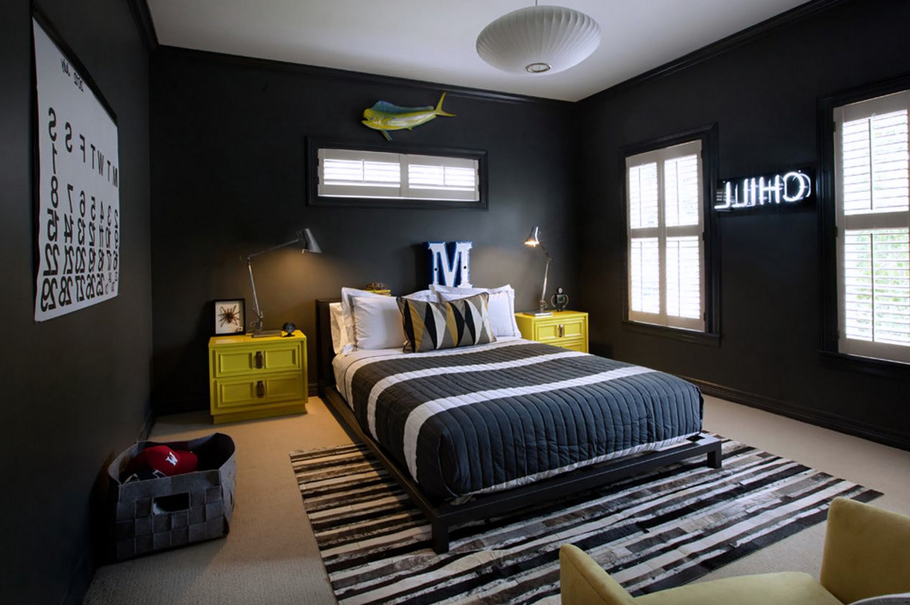 Elegant black and white bedroom ideas