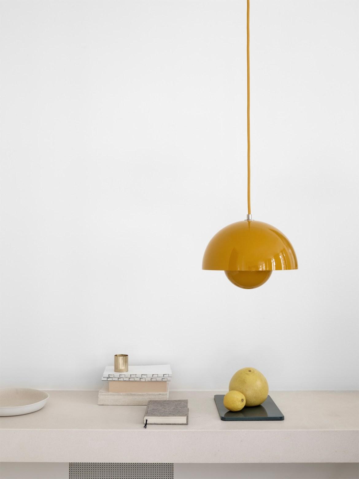 klassische designerleuchten lampen leuchten designerleuchten online berlin design. Black Bedroom Furniture Sets. Home Design Ideas