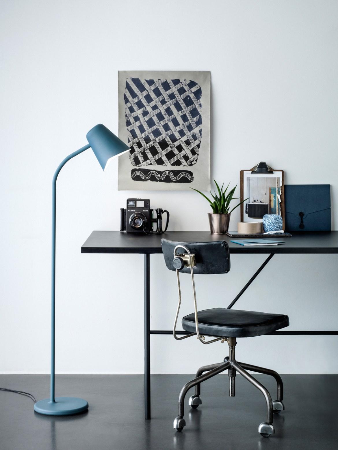 DesignOrt Blog: Blaue Stehlampe Me von Northern Lighting