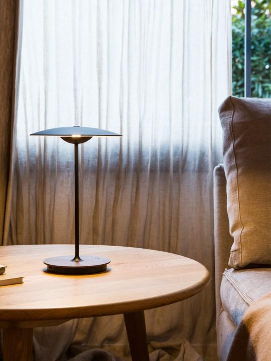 tragbare aufladbare Tischleuchte aus Spanien Ginger 20 M von Marset