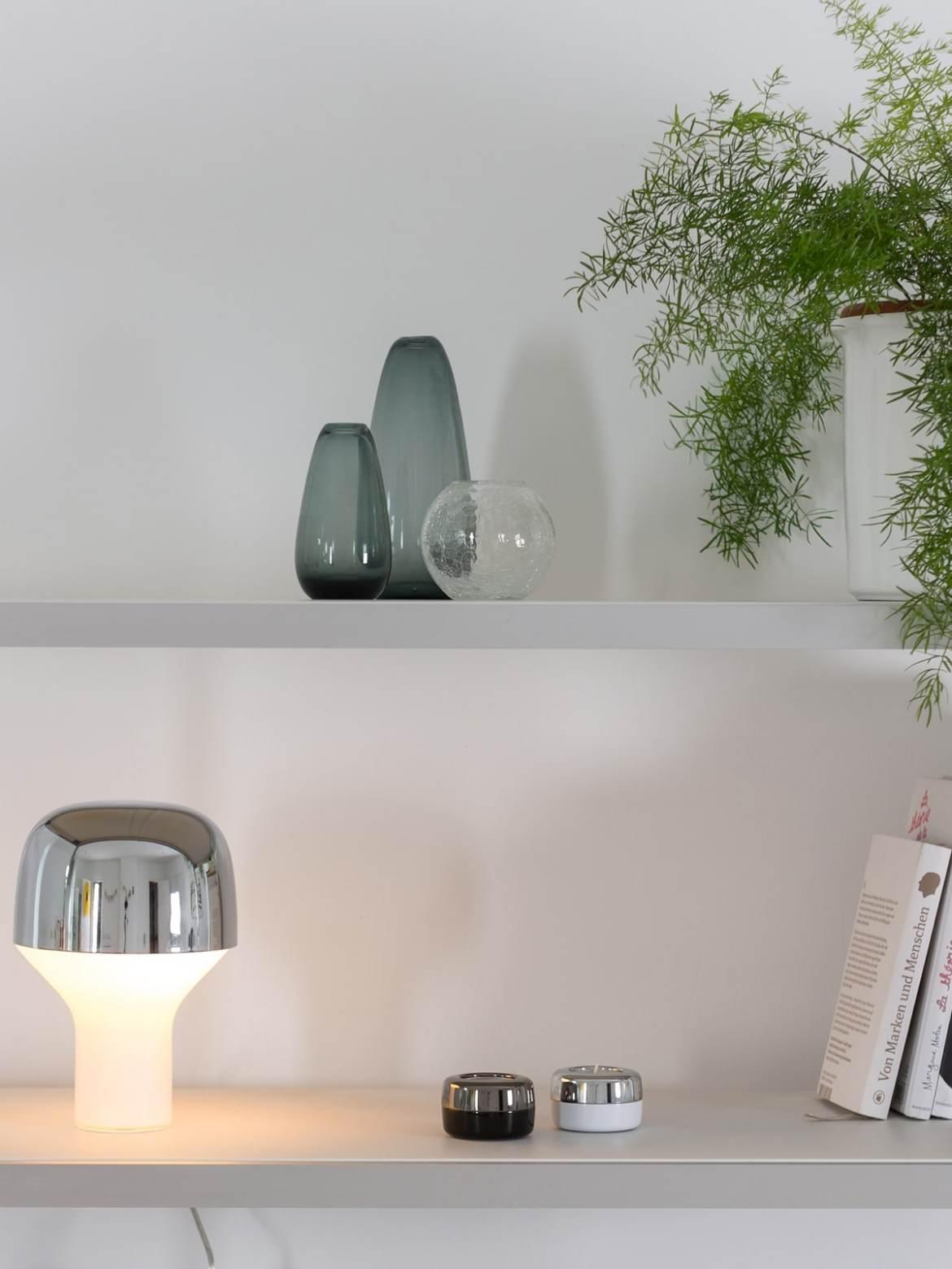 DesignOrt Blog: Trend: Silberne Designerleuchten Tischlampe Cap TEO Europe