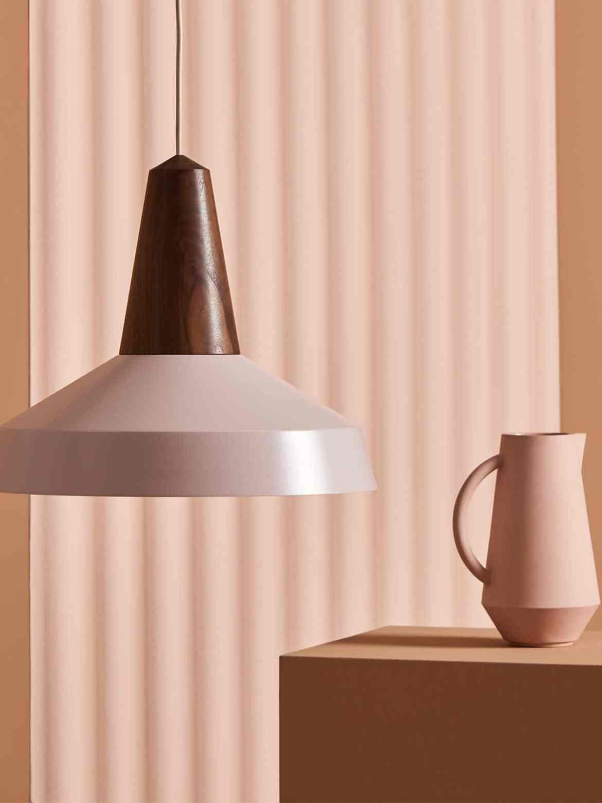 DesignOrt Blog: Was ist eine Systemleuchte? nachhaltige Leuchte mit wechselbarem Lampenschirm Eikon Circus von Schneid