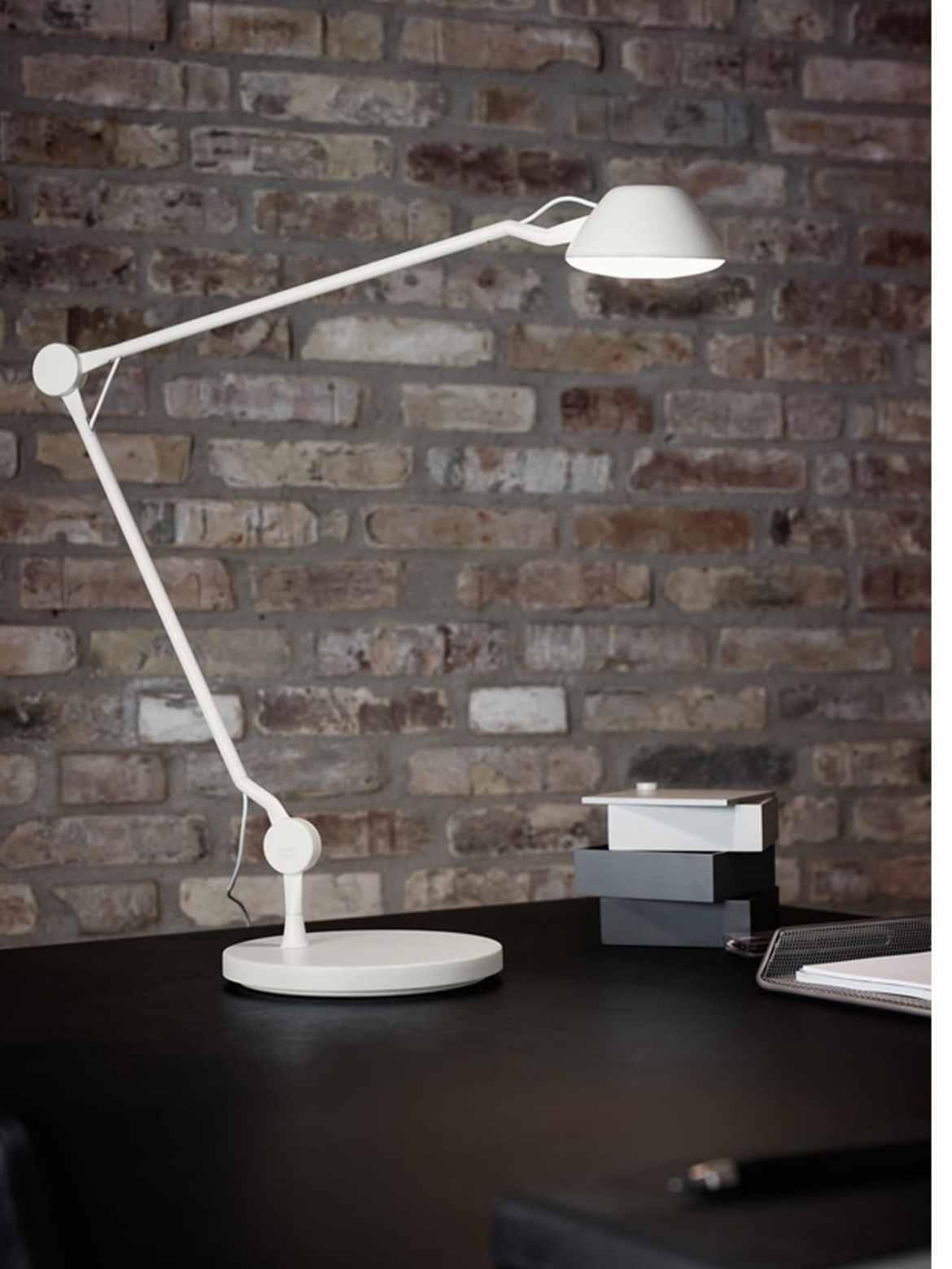 DesignOrt Blog: Neuigkeiten AQO1 Tischleuchte oder Wandlampe Lightyears